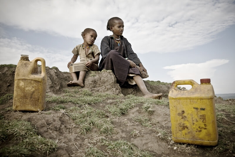 Children's path to water, Ethiopia 2010