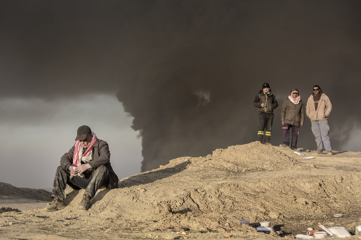 Qayyarah oil fire in northern Iraq, Iraq 2016