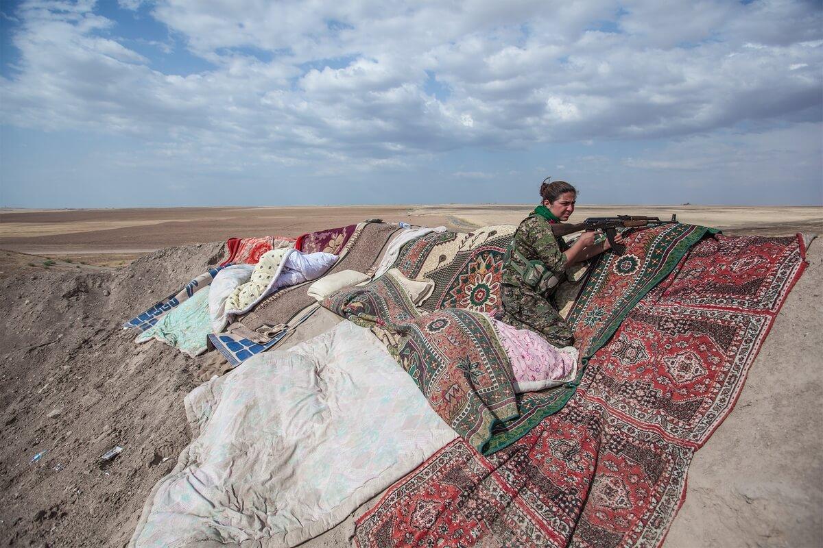 Syrian kurdish female fighters, Syria 2015