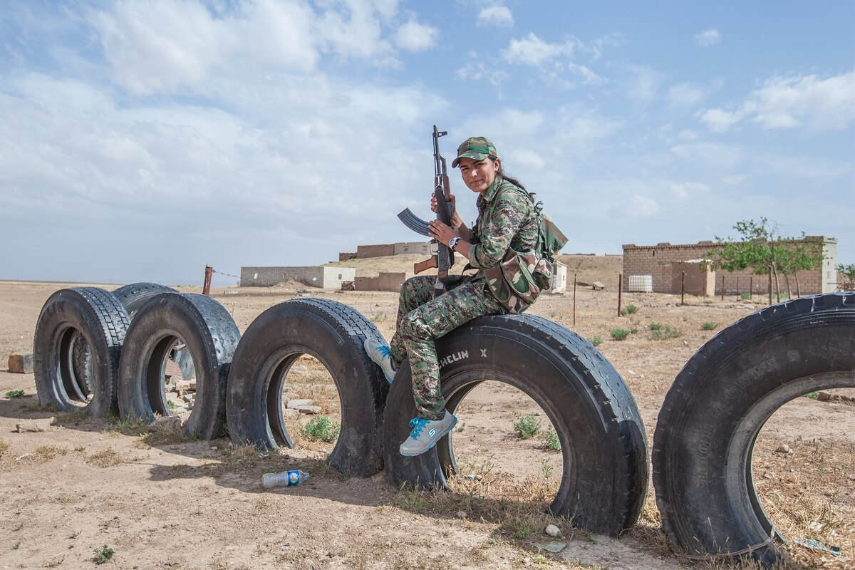 Syrian kurdish female fighters, Syria 2015